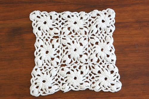 スウェーデンで見つけた手編みドイリー(スクエアM)/ホワイトの商品写真