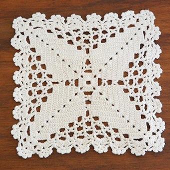 スウェーデンで見つけた手編みドイリー(スクエアS)/ホワイトの商品写真