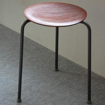 デンマーク製/三本足のスツールの商品写真