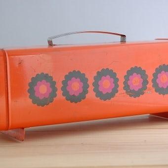 フィンランドで見つけた古いブレッドケース(ブレッド缶)の商品写真