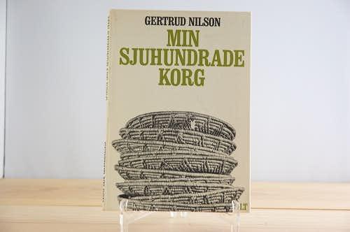 スウェーデンで見つけた伝統的なカゴ作りを解説した古い本の商品写真