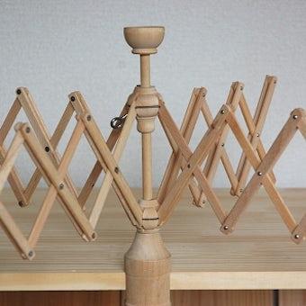 スウェーデンで見つけた古い木製のかせくり器の商品写真