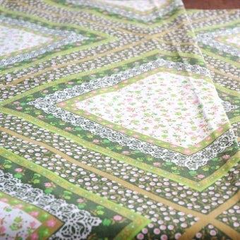 フィンランドで見つけた寝具カバー(ダブルサイズ程度)の商品写真