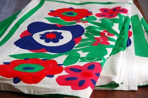 これはレア!!/フィンランドで見つけたアンティークテキスタイルのカーテン2枚セットの商品写真