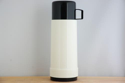 スウェーデンで見つけたヴィンテージ魔法瓶(ホワイト)の商品写真