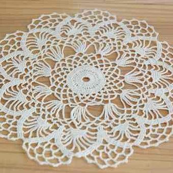 フィンランドで見つけた手編みドイリー(ホワイト)の商品写真