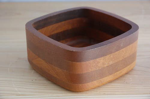 スウェーデンで見つけた木製組木のフルーツボウル(中)の商品写真