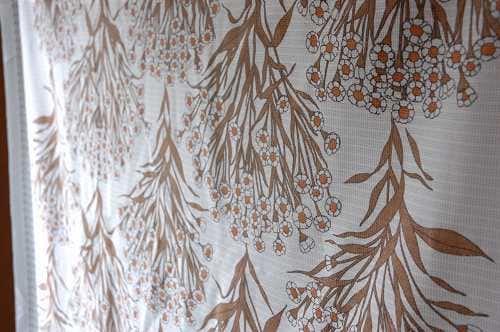 スウェーデンで見つけたレースの涼しげなカーテンの商品写真