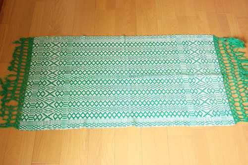 スウェーデンで見つけたウール床マット(濃いグリーン)の商品写真