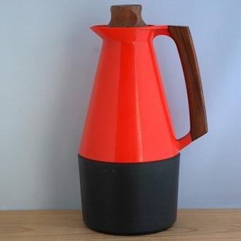 スウェーデン製/持ち手と蓋がチーク材でできたヴィンテージ魔法瓶(レッド)の商品写真