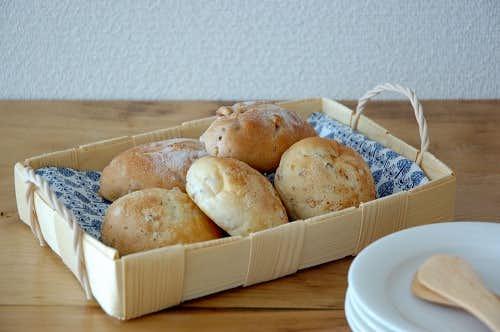 北欧のかご/フィンランド製のパインかご(トレー型)の商品写真