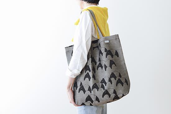 LAPUAN KANKURIT/ラプアン・カンクリ/トートバッグ/バク柄(ブラック×ナチュラル)の商品写真