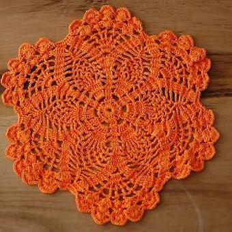 スウェーデンで見つけた手編みのドイリー(オレンジ)の商品写真
