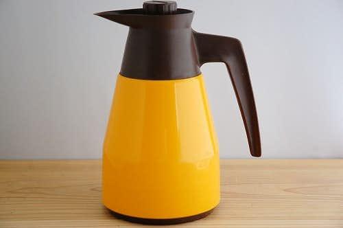 スウェーデンで見つけたプラスティック魔法瓶(橙色)の商品写真
