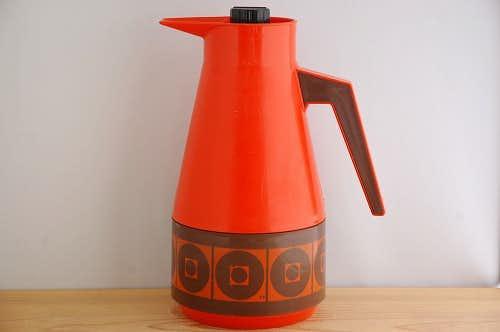 スウェーデンで見つけたプラスティック魔法瓶(レッド&ブラウン)の商品写真