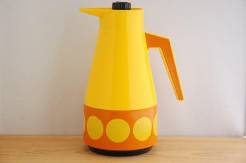 スウェーデンで見つけたプラスティック魔法瓶(イエロー、ドット模様)の商品写真