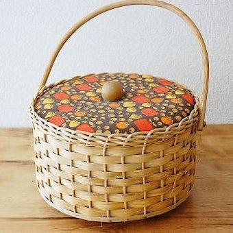 スウェーデンで見つけた手芸道具がぎっしり詰まった裁縫箱の商品写真