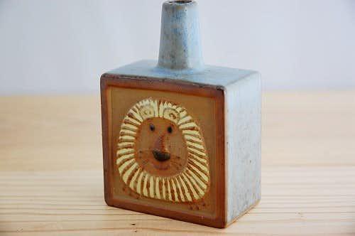 デンマークで見つけた陶器の一輪挿し(ライオン)の商品写真