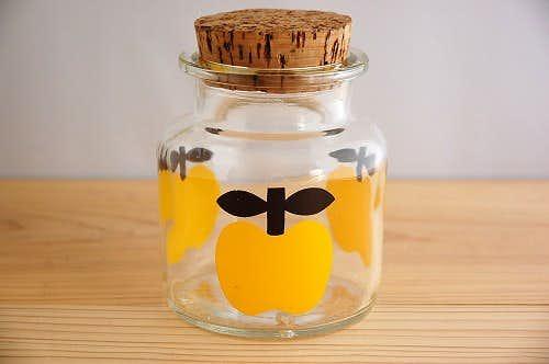 デンマークで見つけたリンゴ柄のガラスジャー(イエロー)の商品写真