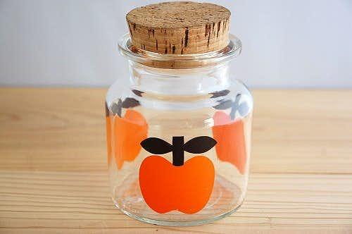 デンマークで見つけたリンゴ柄のガラスジャー(オレンジ)の商品写真
