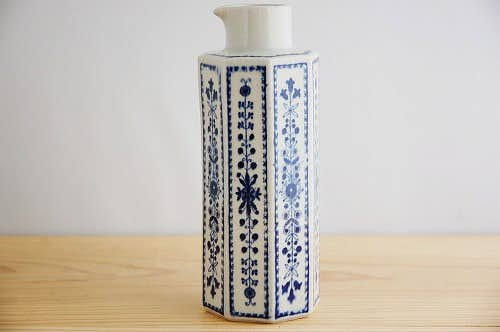 ARABIA/アラビア/花模様と八角柱が上品なピッチャーの商品写真