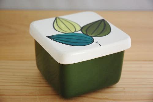 スウェーデンで見つけたバターケース(グリーン葉っぱ)の商品写真
