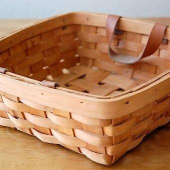 スウェーデンで見つけた革製の持ち手が付いたカゴ(小)の商品写真