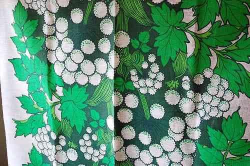 スウェーデンで見つけたカーテン2枚セット(グリーン植物柄)の商品写真