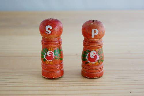 スウェーデンで見つけた木製調味料入れ2個セットの商品写真