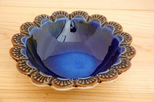スウェーデンで見つけたお花の形の器(ブルー)の商品写真