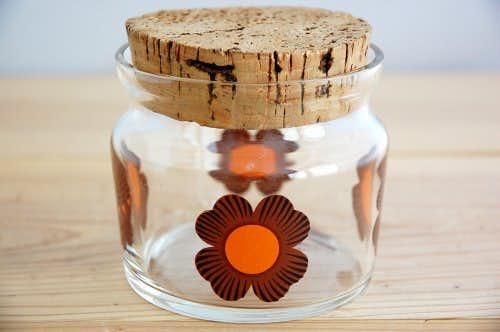 スウェーデンで見つけたお花模様のガラスジャー(コルク蓋)の商品写真