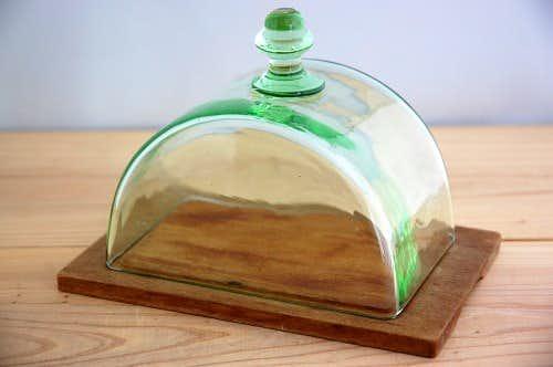 スウェーデンで見つけたガラスのチーズドーム(グリーン)の商品写真