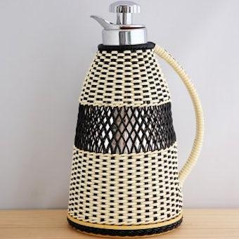 ビニールストロー素材を編んだカバー付きヴィンテージ魔法瓶(ブラック)の商品写真