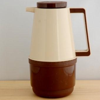 スウェーデンで見つけたプラスティック製ヴィンテージ魔法瓶(ベージュ&ブラウン)の商品写真