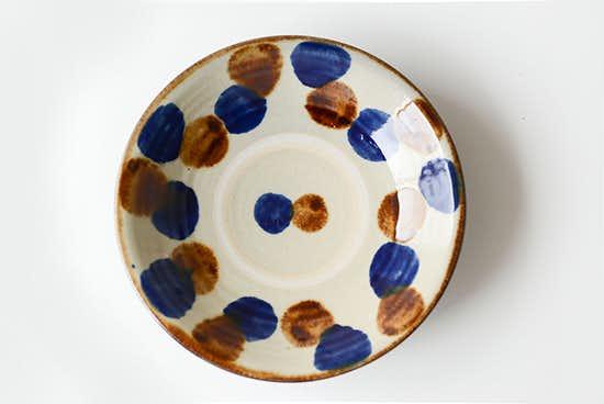 【取り扱い終了】やちむん/飴コバルト点打/7寸皿(径:約22cm)の商品写真