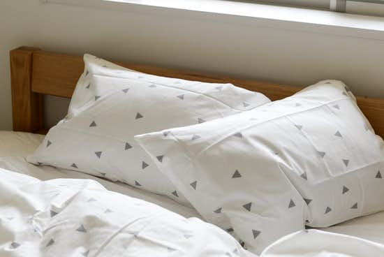 sisdesign/枕カバー/トライアングル (43cm×63cm)の商品写真