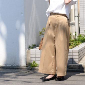 【取扱い終了】「わたしに似合う新定番」プレス長持ち軽やかワイドパンツ(チノベージュ)/KURASHI&Trips PUBLISHINGの商品写真