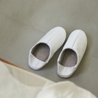 「パイル素材が心地よい」2WAYバブーシュ/ホワイト(L)/KURASHI&Trips PUBLISHINGの商品写真
