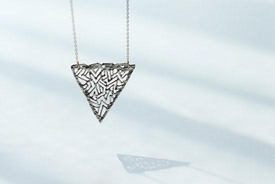 【次回9月下旬ごろ入荷予定】KAORU/ロングネックレス/triangle(トライアングル)の商品写真