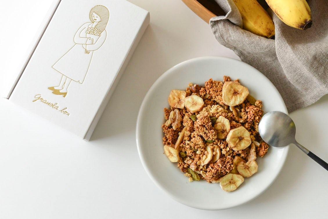 バナナと胡桃の黒糖グラノーラ/OYATSUYA SUNの商品写真