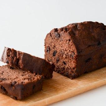 ラムレーズンの入った特別なチョコレートケーキ/OYATSUYA SUNの商品写真
