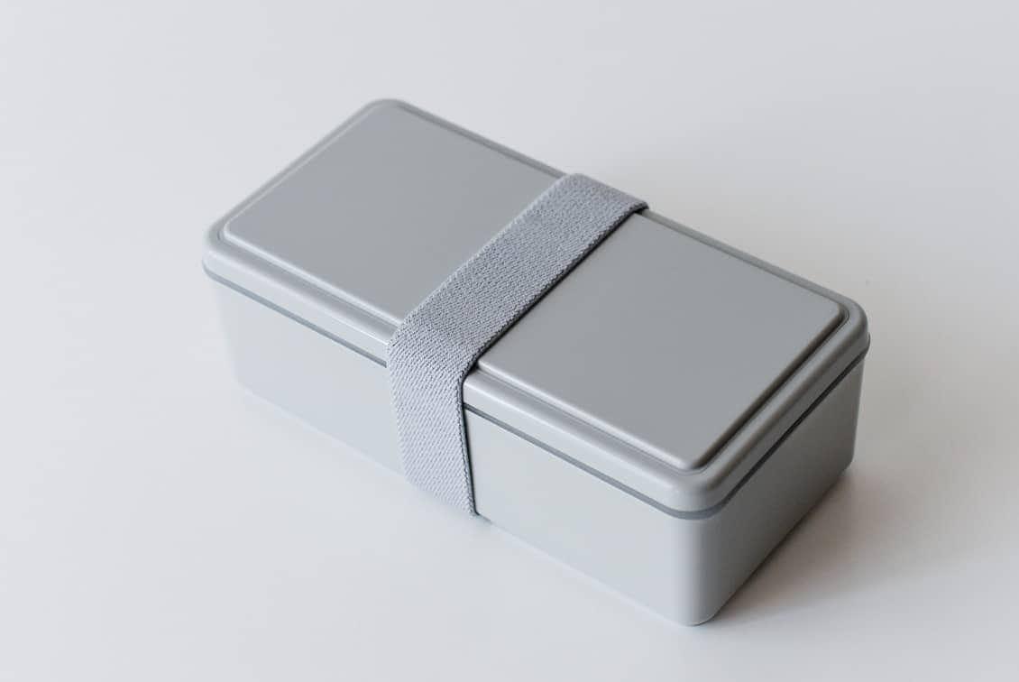 フタが保冷剤になるランチボックス/500ml/グレーの商品写真