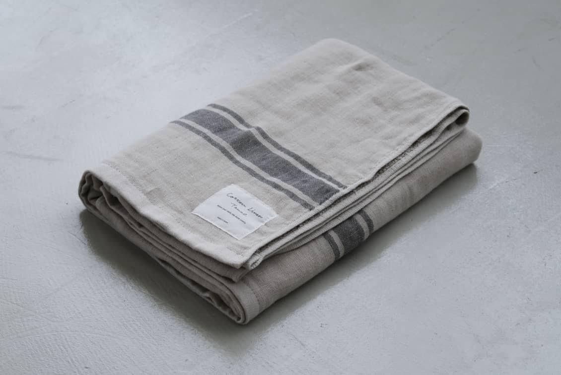さらりと心地よい、コットンリネンのバスタオル(ベージュ×グレー)の商品写真