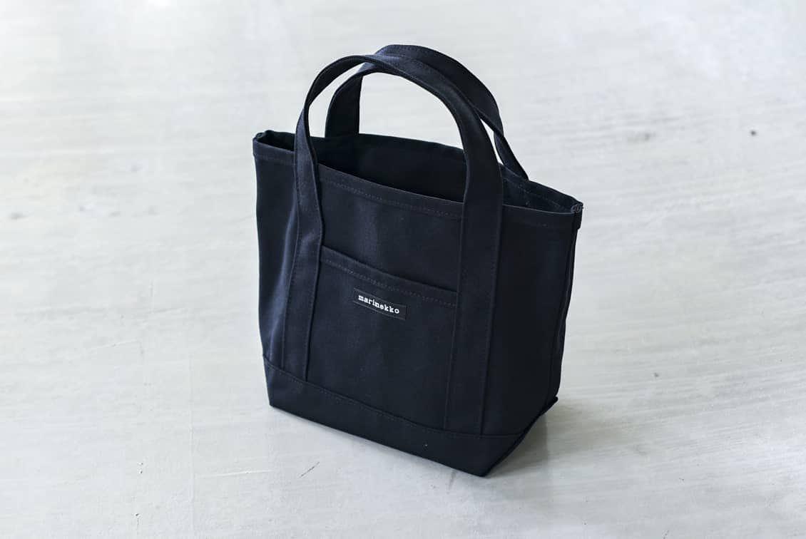 【次回9月入荷予定】marimekko/マリメッコ/RAIDE MINI PERUSKASSI/ミニトートバッグ(ブラック)の商品写真
