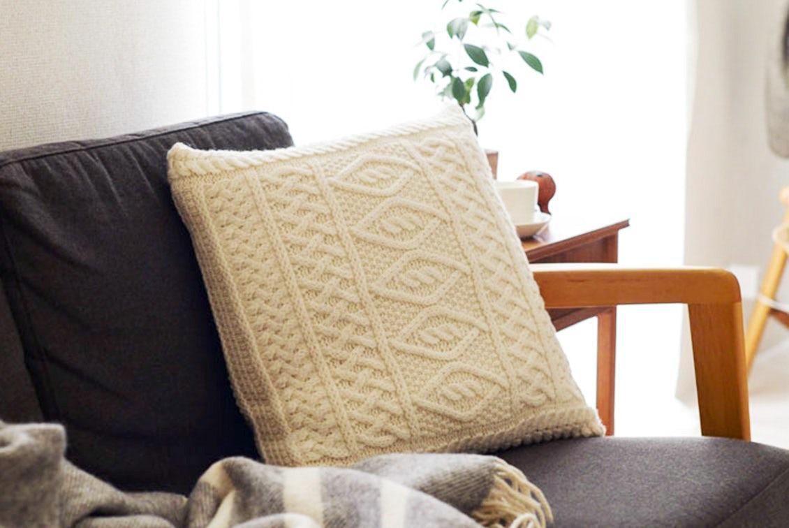 【次回10月頃入荷予定】linoo/アラン編みのクッションカバー(45cm×45cm)/ホワイトの商品写真
