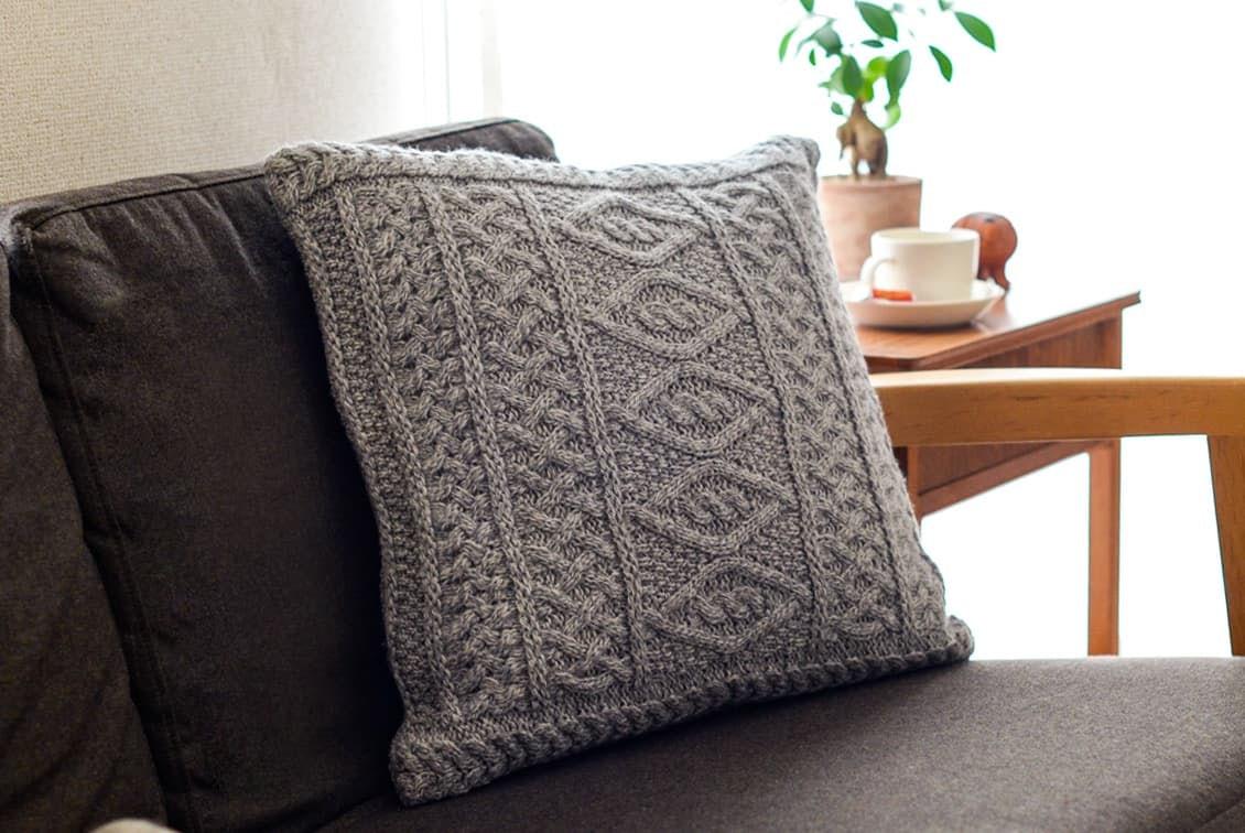 【次回10月頃入荷予定】linoo/アラン編みのクッションカバー(45cm×45cm)/グレーの商品写真