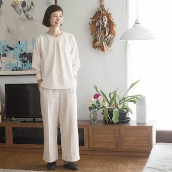 【次回12月上旬頃入荷予定】「家でのわたしも好きになる」見た目も機能もちょうどいいルームウェアセット/香菜子×KURASHI&Trips PUBLISHING(アイボリー×オートミール)の商品写真