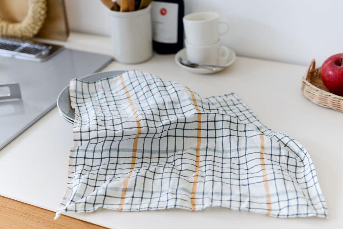 「気分も彩るキッチンに」正方形のキッチンクロス(グラフチェック)/KURASHI&Trips PUBLISHINGの商品写真