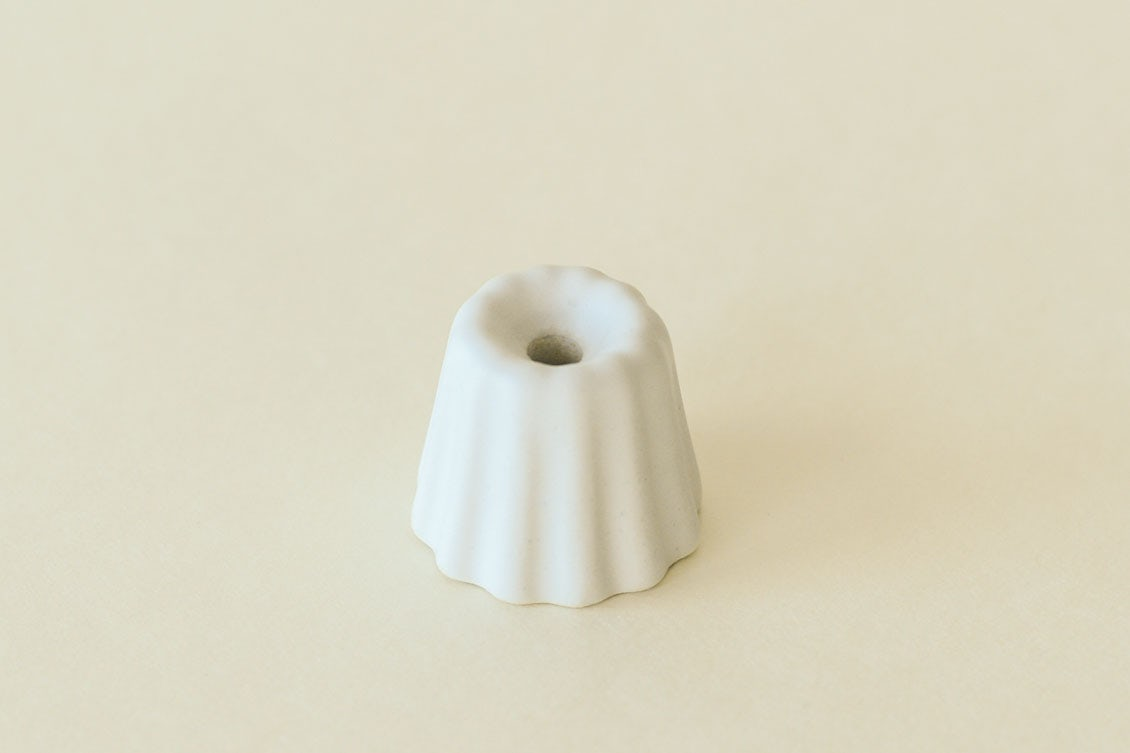 OVO Things/カヌレ型のキャンドルホルダー(マットホワイト)の商品写真