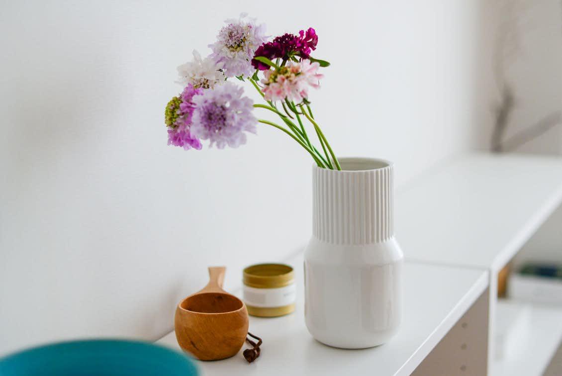 「花との暮らし、はじめよう」一輪から枝ものまで上手に飾れるフラワーベース/KURASHI&Trips PUBLISHINGの商品写真